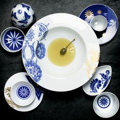 Shop for the Wunderkammer Dinnerware by Sieger by Fürstenberg at Artedona. Enjoy personal service, worldwide delivery and secure online ordering. Blue And White Dinnerware, Dinnerware Sets, Ceramic Painting, Wedgwood, White Porcelain, Bone China, Tablescapes, Decorative Plates, Pottery
