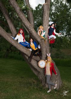 Disney Princesses Swap Clothes with Princes Group Cosplay http://geekxgirls.com/article.php?ID=5986
