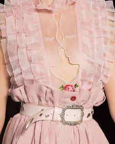 Vivetta at Milan Fashion Week Spring 2017 – Details Runway Photos - Fashion moda Haute Couture Style, Couture Mode, Couture Fashion, Runway Fashion, Womens Fashion, Fashion Trends, Milan Fashion, Fashion Tips, Fashion 2018