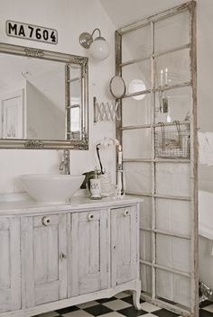 windows for room dividing (maybe for a toilet)... this would be great for a guest bathroom.