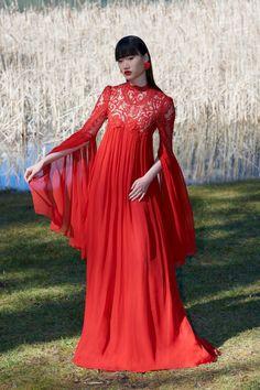Garnette Lace-Detailed Silk Chiffon Caftan Gown by Costarellos Roberto Cavalli, Giorgio Armani, Designer Casual Shirts, Special Occasion Outfits, Style Retro, Costume, Casual Street Style, Silk Chiffon, Beautiful Models