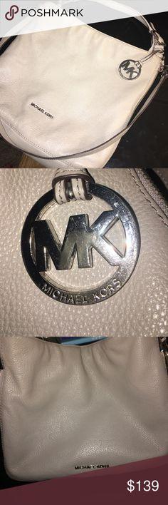 Michael Michael Kors Essex handbag Large convertible shoulder handbag. Pearl Grey. MICHAEL Michael Kors Bags Shoulder Bags