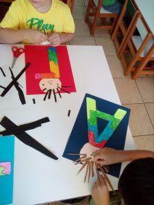 Name Activities, Alphabet Activities, Preschool Activities, Sensory Room Autism, Toddler Activity Board, Crafts For Kids, Diy Crafts, Bookshelves Kids, Abc Centers
