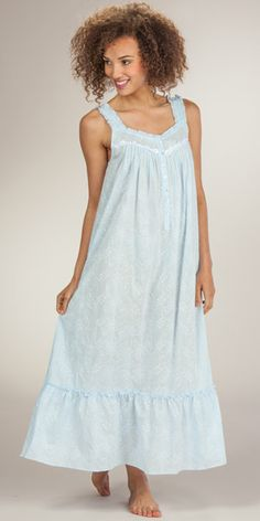 Eileen West - Sleeveless Embroidered Cotton Long Nightgown in Soft Blue