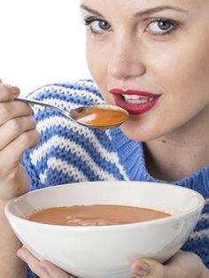 Sie haben genug vom lästigem Abwiegen und Messen? Vertrauen Sie der Diät-Revolution des Jahres: Mit dem Schüssel-Trick purzeln bis zu 3