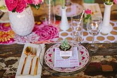 Playfully Pink & Bright Rustic Wedding Inspiration // Photography by Danielle Poff, Planning & Flowers by Michaela Noelle Designs #pink