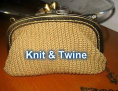 carteira em crochet bege