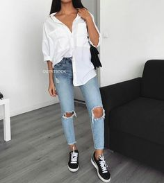 10 Trendy Ways To Rock Your Denim Jeans - Ladies! jeans 10 Trendy Ways To Rock Your Denim Jeans - Ladies! Uni Outfits, College Outfits, Swag Outfits, Cute Casual Outfits, Everyday Outfits, Fall Outfits, Summer Outfits, Fashion Outfits, Jeans Casual