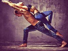 Couples Yoga Poses, Acro Yoga Poses, Partner Yoga Poses, Yoga Poses For Men, Yoga Poses For Beginners, Fit Couples, Pranayama, Couple Yoga, Yoga Fitness