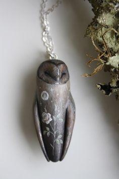 Owl Jewelry, Cute Jewelry, Jewelry Crafts, Jewelery, Jewelry Accessories, Jewelry Design, Polymer Clay Charms, Polymer Clay Art, Owl Necklace