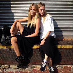 Sasha Pivovarova et Natasha Poly http://www.vogue.fr/mode/mannequins/diaporama/la-semaine-des-tops-sur-instagram-36/19666/image/1037620#!sasha-pivovarova-et-natasha-poly