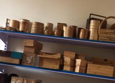 Bamboo box Vietnam - Round shape, great quality, various type. We can supply and making as custom demand. We have competive scoure bamboo and worker Bamboo Box, Farmer, Polish, Shapes, Tea, Canning, Phone, How To Make, Food