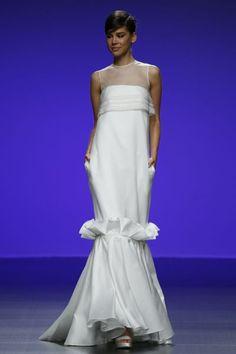 Robes de mariée Cymbeline 2016 : Quand avant-garde et tradition se lient à la perfection Image: 13