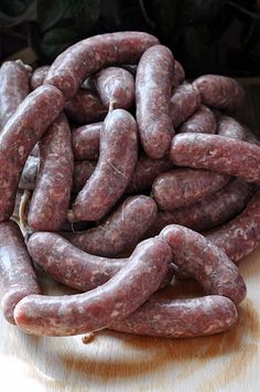 Shrink your URLs and get paid! Home Made Sausage, Homemade Sausage Recipes, Bacon Sausage, Good Food, Yummy Food, How To Make Sausage, Polish Recipes, Smoking Meat, Charcuterie