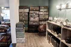 Raw Materials - The Home Store is the concept store of One World Interiors. At the Rozengracht 229-233 in Amsterdam you will find 600m2 interior inspiration.
