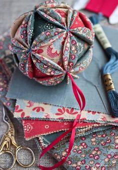 Clubinho da Costura: Bola de Natal em tecido - PAP