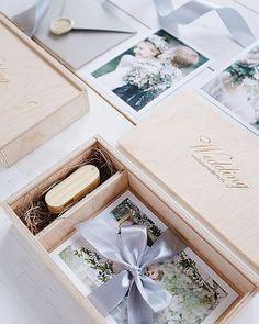 Короба для флешки и фото 10х15 по 500р/шт с гравировкой лого. #упаковкафото #korabook #usbbox Usb Packaging, Packaging Design, Photographer Packaging, Usb Box, Album Design, Bridesmaid Proposal, Wedding Gifts, Wedding Planning, Packing