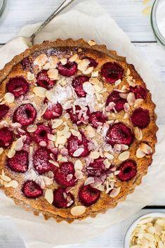 Vegan Raspberry Bakewell Tart (gluten free) The easiest and best Bakewell Tart ever #vegan #frangipane #easyrecipe #dessert #glutenfree #raspberries #vegantart #vegandessert