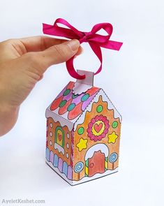 Printable gingerbread house template to color - Ayelet Keshet Make DIY gingerbread house ornament with free printable gingerbread house template coloring page - step 08 3d Christmas, Christmas Crafts For Kids, Christmas Projects, Holiday Crafts, Holiday Fun, Xmas, Gingerbread House Template, Gingerbread Man, Fun Christmas Activities