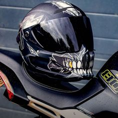 These Top 50 Coolest Helmets you can actually replicate yourself with a few simply helmet accessories. No custom airbrushing or big check required here. Carbon Fiber Motorcycle Helmet, Motorcycle Helmet Design, Custom Motorcycle Helmets, Custom Helmets, Yamaha R6, Ducati, Indian Scout Bike, Helmet Accessories, Steampunk Goggles