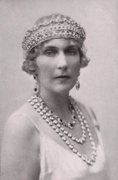 Queen Victoria Eugenia of Spain. 1920s - She's wearing the Queen Victoria Strawberry leaf tiara, borrowed by her mother, Princess Beatrice.