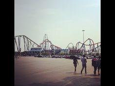 Oiiii, tudo bom? Ontem eu, a Fabi e a Evelyn (minha amiga do inglês) fomos no Six Flags, um parque de diversão em NJ. Eu AMO montanha-russa e brinquedos...