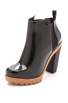 ad290796a13d 31 Stylish Rain Boots You ll Want To Wear Rain or Shine  refinery29 http