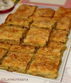 This pastry was a flavor that was highly praised by leek lovers and those who did not. It is made abundantly in the winter, especially in our home, even . Best Breakfast Recipes, Brunch Recipes, Appetizer Recipes, Snack Recipes, Cooking Recipes, Breakfast Quiche, Turkish Recipes, Food Facts, Food And Drink