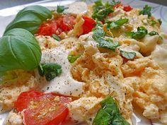 Low Carb Rezepte: Eier - Tomaten - Mozarella - Pfanne