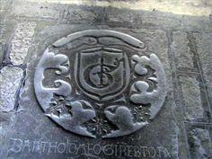 ▶ Fotos de: Girona - Gerona - Escudos Heráldicos - Claustro Catedral -