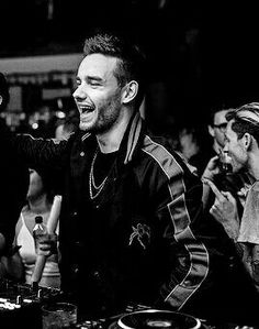 i love it when lima bean is happy and smiling:)