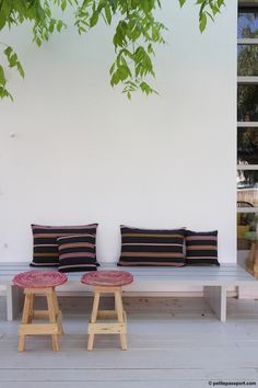 While I was discovering the island of Ibiza I spotted a new decoration store called Tanis. It& a small store in Santa Gertrudis, in between. Outdoor Sofa, Outdoor Spaces, Outdoor Living, Outdoor Decor, Outdoor Seating, Ibiza, Backyard Projects, Outdoor Projects, Porches