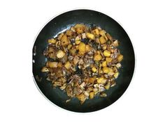 Indian Style Mushroom Potato Fry Recipe.Lets try :) https://goo.gl/sI4Fn1 Like & Share @ http://www.amazerecipe.com