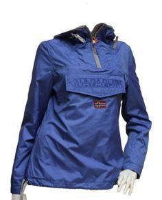 Giacca Rainforest Napapijri light - Abbigliamento da Castagna - Nuova versione della mitica giacca Rainforest di Napapijri . Proposta nella sua versione più leggera , anti vento e anti pioggia è il capo ideale per le me