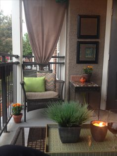 Front Patio Chairs bohemian patio home tours.Comfy Patio Furniture patio with fire pit campfires.Flagstone Patio With Pool. Apartment Balcony Decorating, Apartment Balconies, Cozy Apartment, Apartment Living, Apartment Patios, Apartment Plants, Apartment Ideas, Apartment Design, Simple Apartment Decor