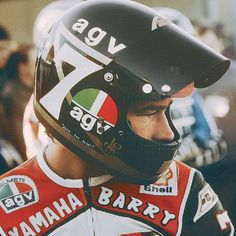 2 times World Champion in 500 cc. Racing Motorcycles, Motorcycle Helmets, Bobber, Motorbikes, Yamaha, Honda, Interview, Classic Motorcycle, Biker Style