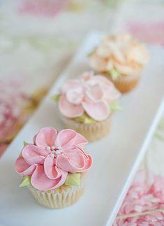 apple blossom cupcakes