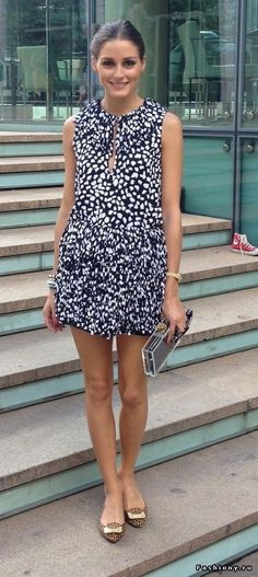 cut short dress + hair in a bun (must!) + flats + small bag / clutch