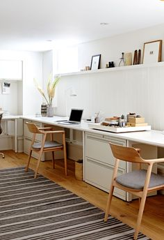 Do you want too have home office with rustic style looks modern? Here our team provide rustic farmhouse home office design ideas for you. Home Office Space, Office Workspace, Home Office Design, Home Office Decor, House Design, Home Decor, Office Chairs, Office Designs, Office Spaces