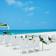 . 宮古島前浜ビーチウェディング 憧れの結婚式を挙げるなら#コスモウエディング . ご予算挙式フォトウェディングのご相談はプロフィールリンクよりご相談ください . #コスモウェディング #ハワイオリジナルウェディング#ハワイウエディング #沖縄ウェディング #宮古島ウェディング#ハワイ挙式 #海外挙式#沖縄挙式#宮古島挙式 #結婚 #結婚式 #結婚指輪 #結婚したい #結婚式コーデ #ウエディング #ウエディングドレス #ウエディングケーキ #ウエディングフォト #ウエディングネイル #ウエディングヘア #wedding #weddingdress #weddingcake #weddingphoto #weddingday #weddinghair #hawaii #hawaiiwedding Wedding Day Wedding Planner Your Big Day Weddings Wedding Dresses Wedding bells