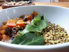 Foto: Michaela Knieli Quinoa, Cobb Salad, Ethnic Recipes, Food, Eat Healthy, Drinking, Eten, Meals, Diet