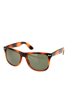 A nice alternative for Ray-Bans wayfarers. Only $10!