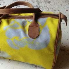 Choolips - evolve - bright yellow I like