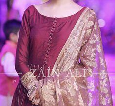 Pakistani Fancy Dresses, Fancy Wedding Dresses, Indian Gowns Dresses, Kurti Neck Designs, Kurti Designs Party Wear, Plain Dress, The Dress, Stylish Dresses For Girls, Simple Dresses