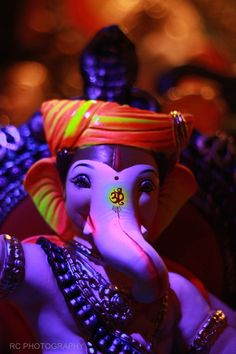 Make this Ganesha Chathurthi 2020 special with rituals and ceremonies. Lord Ganesha is a powerful god that removes Hurdles, grants Wealth, Knowledge & Wisdom. Jai Ganesh, Ganesh Lord, Ganesh Idol, Shree Ganesh, Shri Ganesh Images, Ganesha Pictures, Lord Krishna Images, Ganpati Photo Hd, Ganpati Bappa Photo