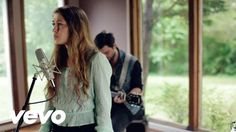 Lauren Daigle - Trust In YouGreat song -- hope you enjoy -- HelpingOthersIsFun.com -- I'm Trusting!