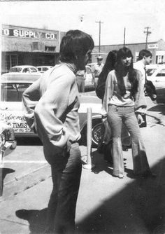 Sonny and Cher in Vernon, Texas back in the Elvis And Priscilla, Priscilla Presley, I Got You Babe, Cool Picks, Cher Bono, Snap Out Of It, Famous Couples, Amazing Pics, Celebs