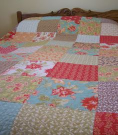 A great tip -construct your quilt in 4 quarters to make it easier to machine quilt, then join the 4 section to finish. from Spare Time (For Sewing) blog, post is A Quilt For Myself