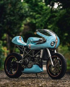 Gulf Dream - Jon Ball's Ducati 748 ~ Return of the Cafe Racers www.returnofthecaferacers.com/2017/04/gulfracing-ducati-748.html