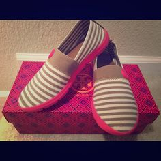 """% Authentic Tory Burch Micah Slip-On Sneaker % Authentic Tory Burch Slip-On Micah Sneaker in Multi Pink Fabric. With stretch fabric upper and cushioned footbed. Very comfortable. True to size. Only used twice and still in """"like new"""" condition. No rips or stains. Comes in its original packaging and box. No TRADES. Tory Burch Shoes Sneakers"""
